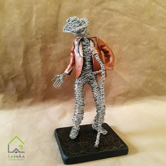 مجسمه هنرمند مایکل جکسون