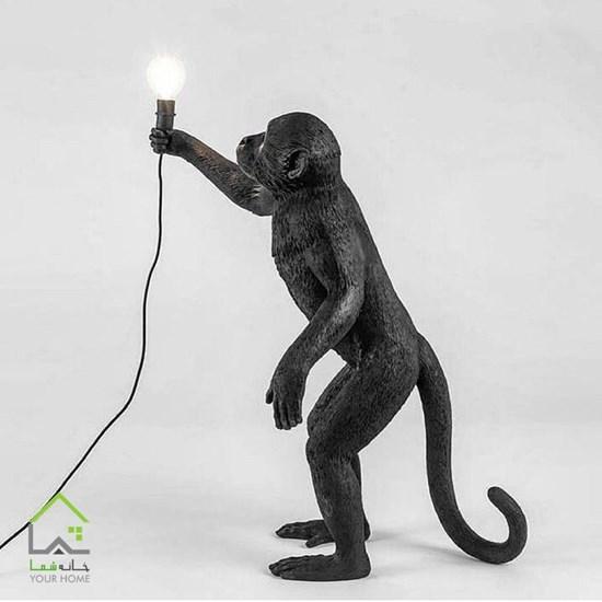 مجسمه میمون بازیگوش ایستاده